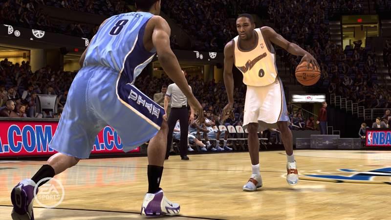 NBA Live 15 to przełomowa część cyklu, ponieważ debiutuje na konsolach nowej generacji.