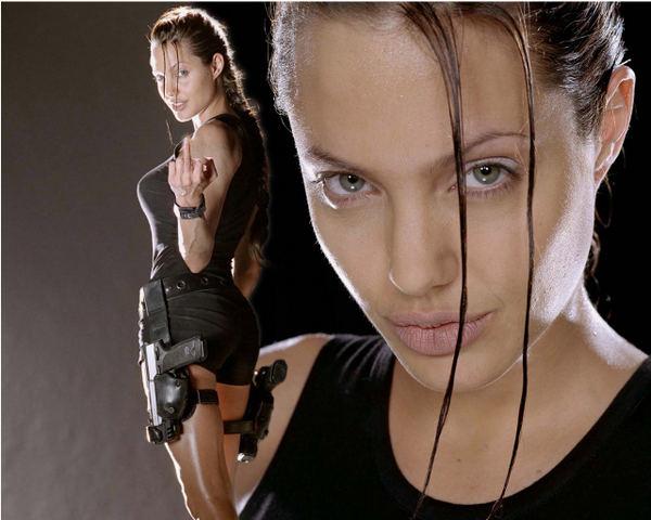 Angelina Jolie zagrała w dwóch filmach z serii Tomb Raider, które okazały się kasowymi hitami.