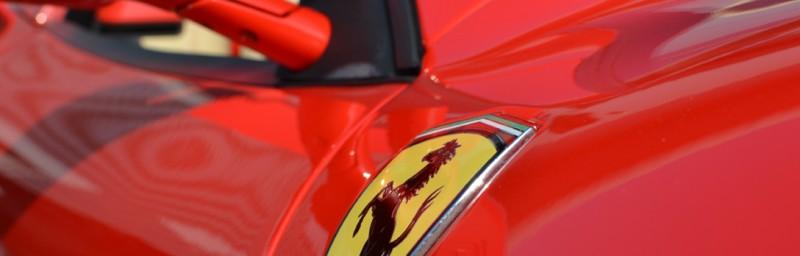 Ferrari współpracuje z Microsoftem oraz Thrustmaster, aby oddać w ręce graczu świetny sprzęt.